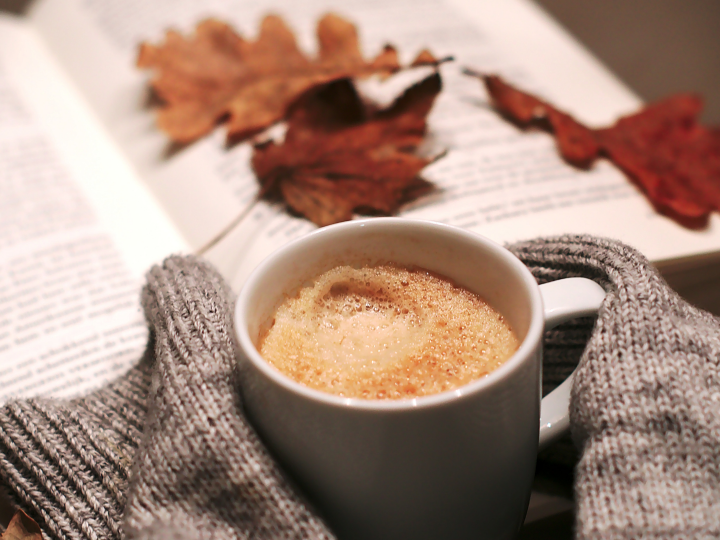 Songs for a cozy evening 🍁 music + ideas to stay in the autumn mood